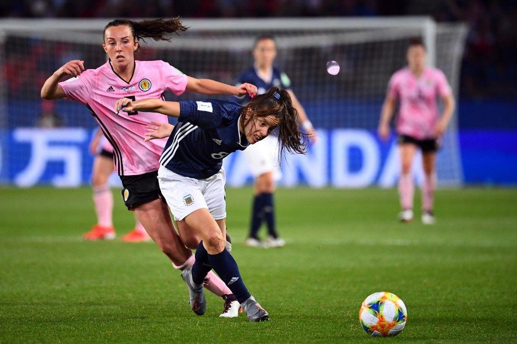 Scotland's midfielder Caroline Weir (L) vies with Argentina's midfielder Ruth Bravo during the France 2019 Women's World Cup Group D football match between Scotland and Argentina, on June 19, 2019, at the Parc des Princes stadium in Paris. (Photo by FRANCK FIFE / AFP)