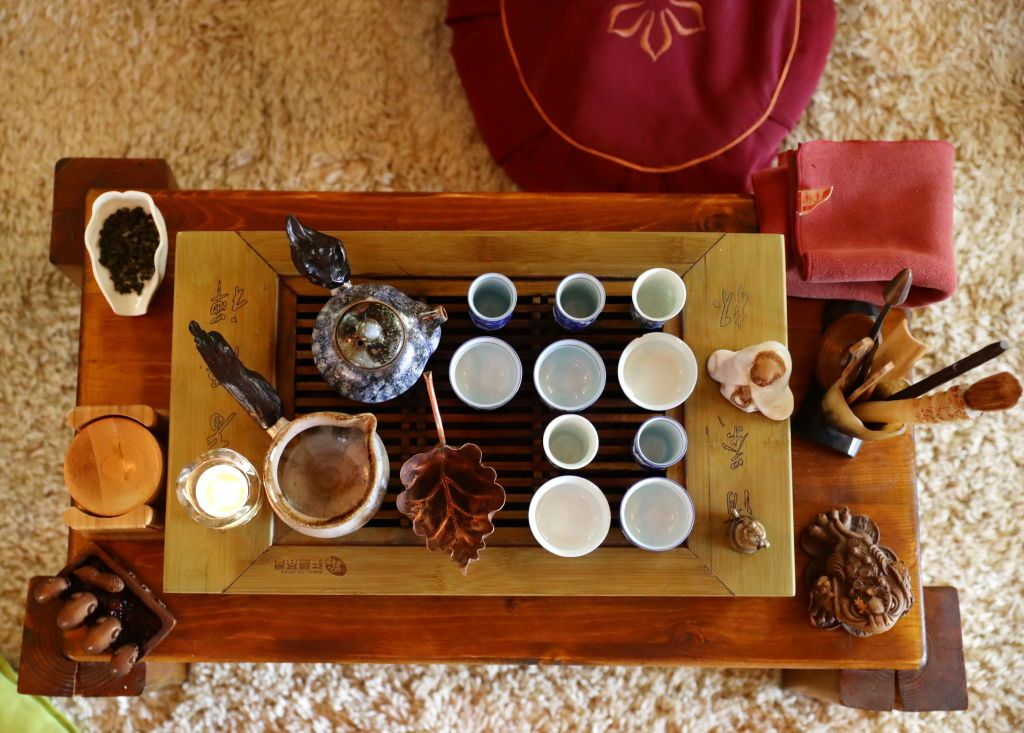 MOSCOW, RUSSIA - JULY 10, 2019: A Chinese tea ceremony performed at TeaWorks Club, a tearoom in central Moscow. Vyacheslav Prokofyev/TASS (Photo by Vyacheslav ProkofyevTASS via Getty Images)