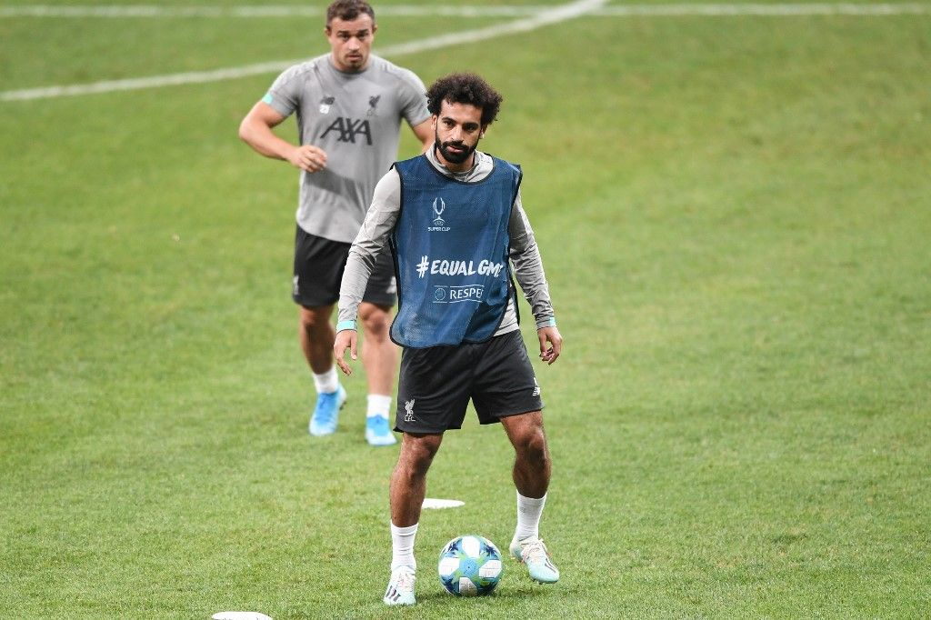 Liverpool's Egyptian midfielder Mohamed Salah attends a training session ahead of the UEFA Super Cup 2019 football match between Liverpool and Chelsea at Besiktas Park stadium in Istanbul on August 13, 2019. (Photo by Ozan KOSE / AFP)