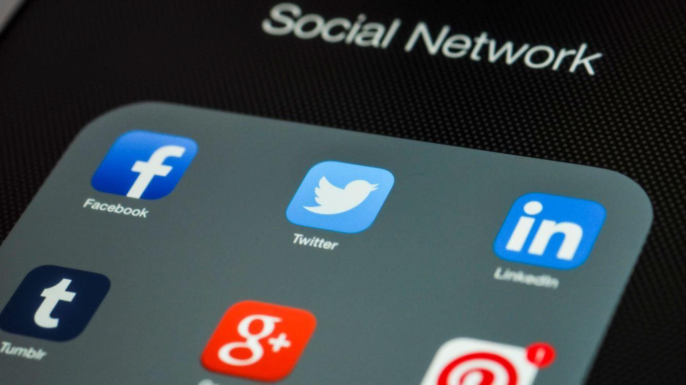 تويتر تختبر ميزة ارسال اشعارات لبعض ردود التغريدات المهمة