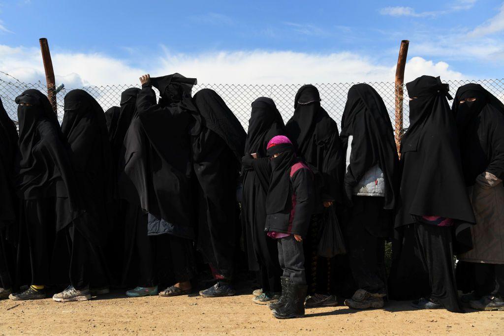 """هل يصبح """"مخيم الهول"""" حاضنة لعودة داعش؟"""