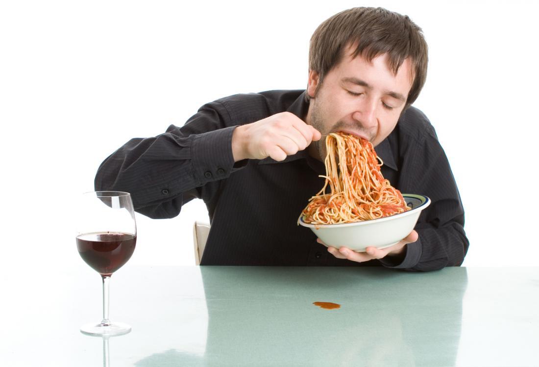 نتيجة بحث الصور عن رجل يتناول طعام