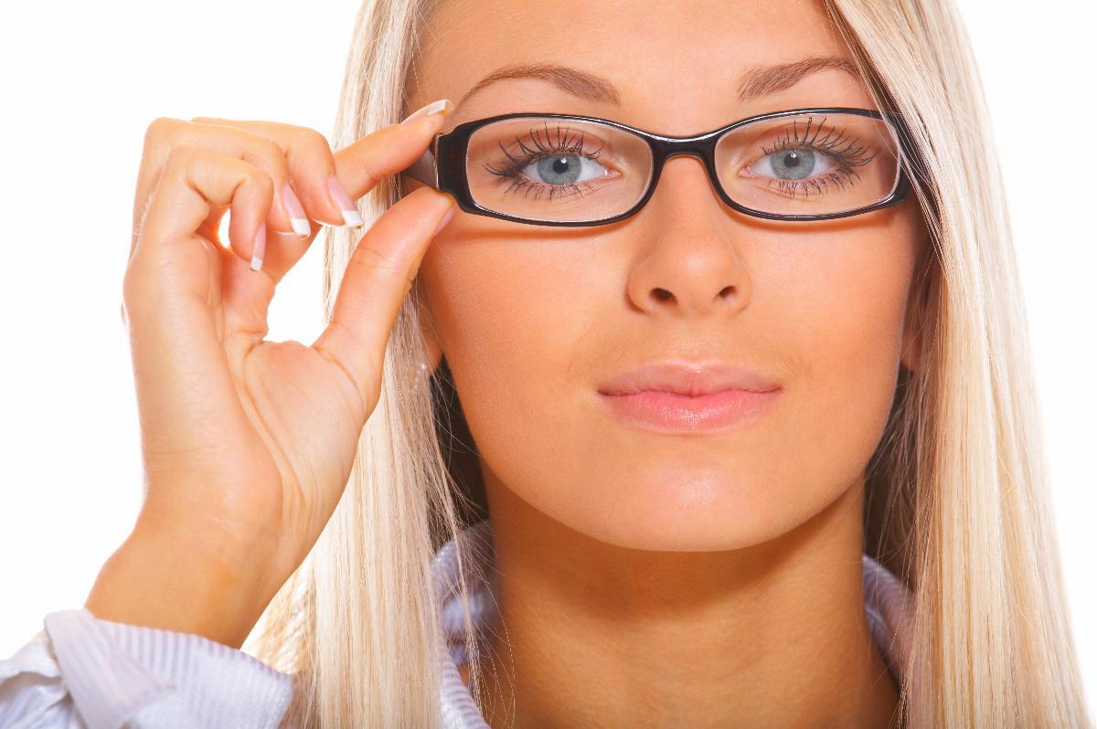 5443d1d10 10خدع طريفة لمرتدي النظارة الطبية تجعل حياتهم أسهل!